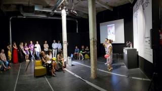 Formica Group subasta 2 esculturas en Producto Fresco con un fin solidario